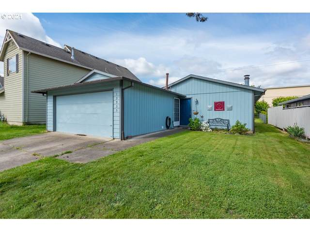 13935 SW 104TH Ave, Tigard, OR 97223 (MLS #21596970) :: Fox Real Estate Group
