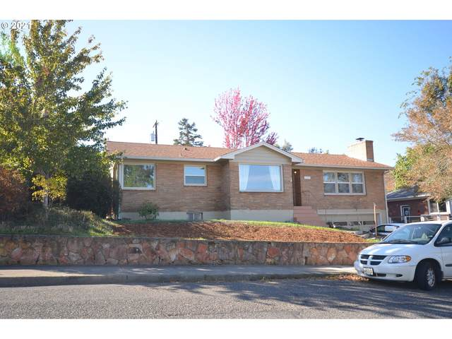 732 E 18TH St, The Dalles, OR 97058 (MLS #21598661) :: Premiere Property Group LLC