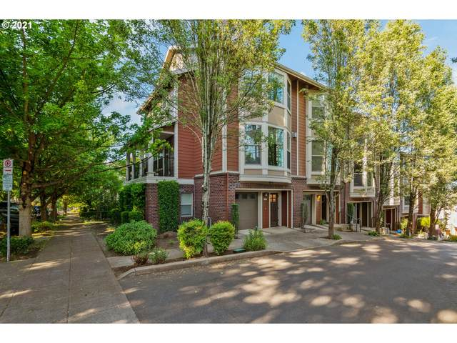 4244 S Corbett Ave, Portland, OR 97239 (MLS #21600919) :: The Haas Real Estate Team