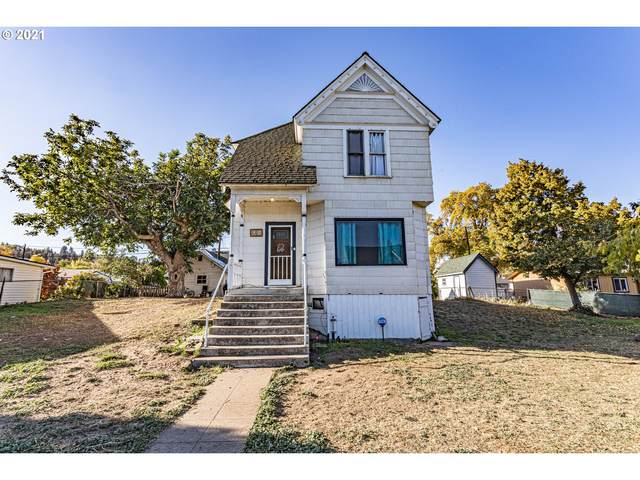 914 W 10TH St, The Dalles, OR 97058 (MLS #21603036) :: Premiere Property Group LLC