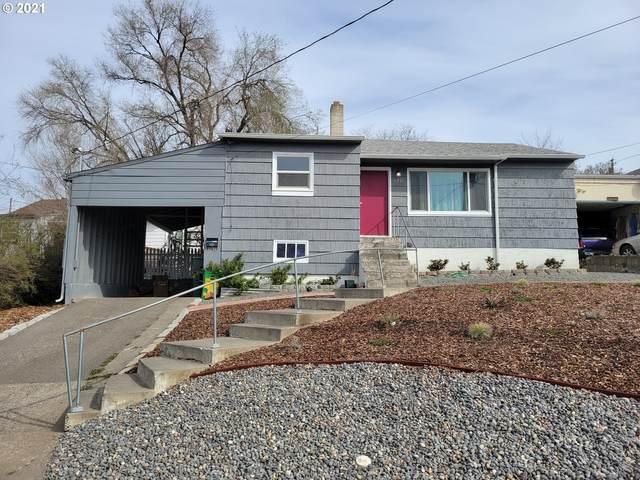1211 NW Ellis Ave, Pendleton, OR 97801 (MLS #21603103) :: Premiere Property Group LLC