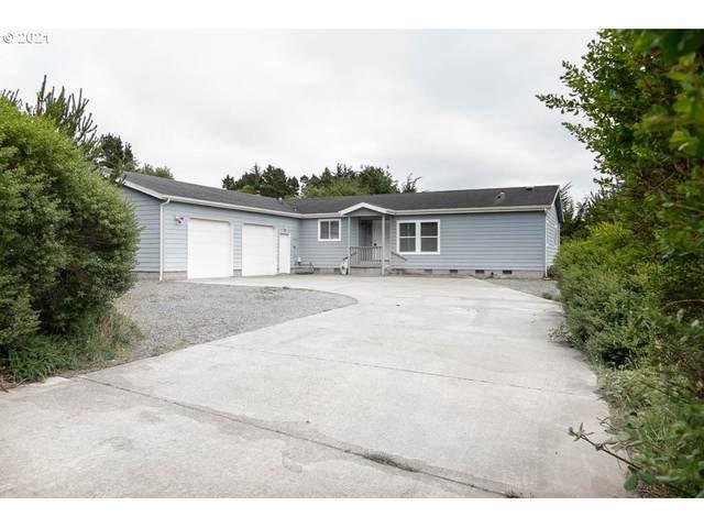 810 3RD St, Bandon, OR 97411 (MLS #21608867) :: Holdhusen Real Estate Group