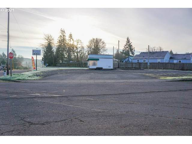 225 Main St, Sweet Home, OR 97386 (MLS #21609875) :: Beach Loop Realty
