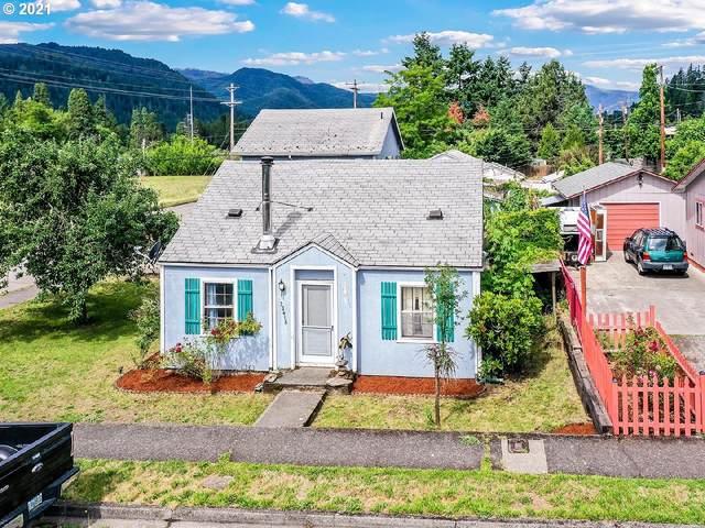 76418 Beech St, Oakridge, OR 97463 (MLS #21610898) :: McKillion Real Estate Group