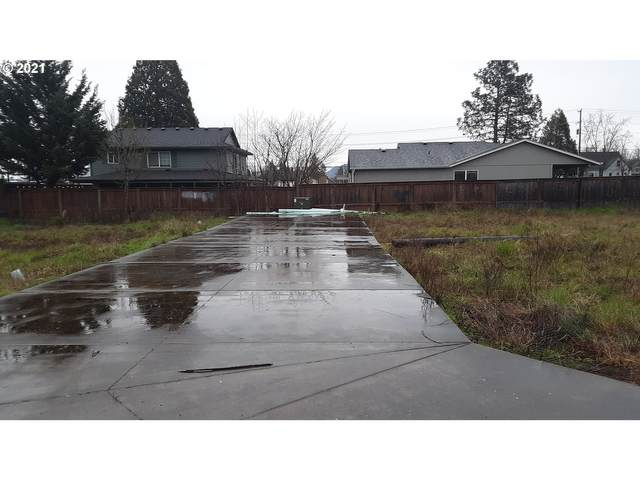 41st Pl, Springfield, OR 97477 (MLS #21612197) :: Song Real Estate