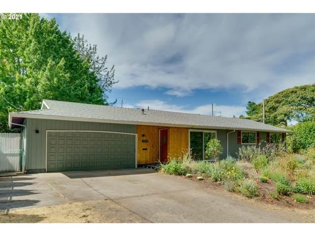 1253 NE 55TH Ave, Portland, OR 97213 (MLS #21612307) :: McKillion Real Estate Group