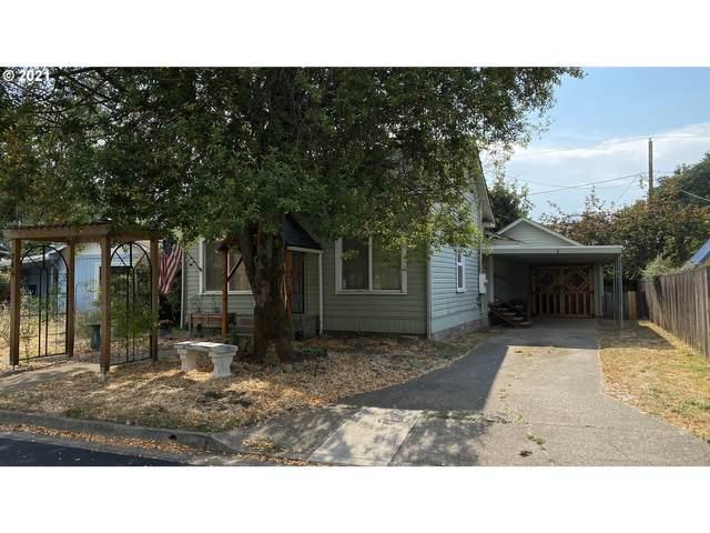 746 W Altamont St, Roseburg, OR 97471 (MLS #21612978) :: Stellar Realty Northwest