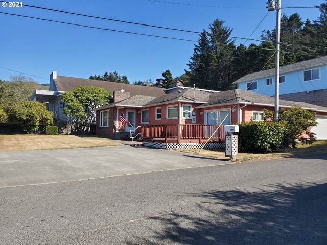 94180 Eleventh St, Gold Beach, OR 97444 (MLS #21614566) :: McKillion Real Estate Group