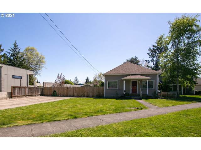 412 S Dayton Ave, Newberg, OR 97132 (MLS #21614816) :: McKillion Real Estate Group