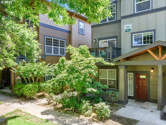 1180 SW 170TH Ave #101, Beaverton, OR 97003 (MLS #21615043) :: The Liu Group
