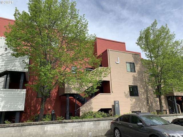 920 NW Naito Pkwy J-16, Portland, OR 97209 (MLS #21616524) :: Tim Shannon Realty, Inc.