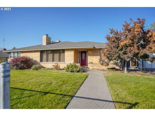 220 SW Butte Dr, Hermiston, OR 97838 (MLS #21621650) :: Premiere Property Group LLC
