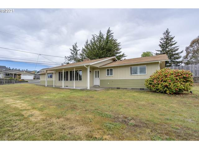 2193 Oak St, North Bend, OR 97459 (MLS #21621922) :: Beach Loop Realty