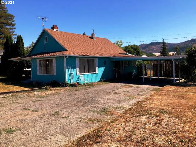 246 E Second Ave, Sutherlin, OR 97479 (MLS #21622092) :: Townsend Jarvis Group Real Estate