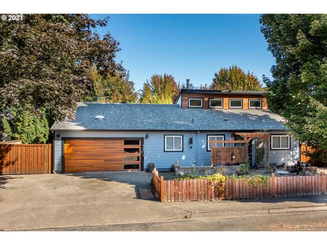 935 NW Ash St, Mcminnville, OR 97128 (MLS #21622221) :: Tim Shannon Realty, Inc.