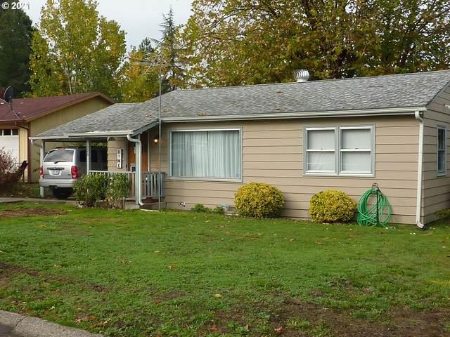 326 W Bradford Ave, Roseburg, OR 97471 (MLS #21631504) :: Holdhusen Real Estate Group