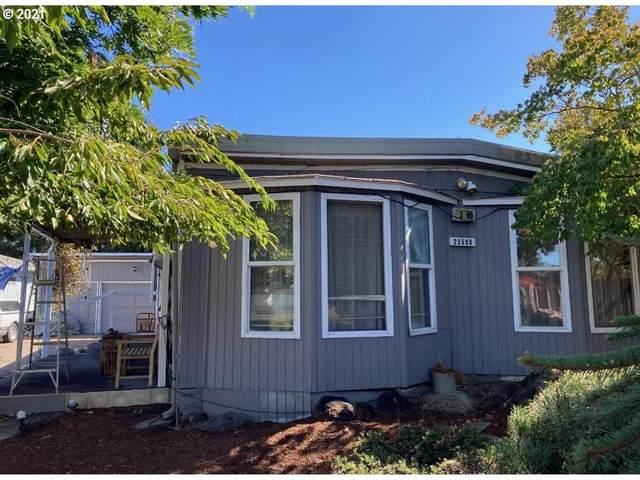 23590 Meadow Dr, Aurora, OR 97002 (MLS #21631543) :: Lux Properties