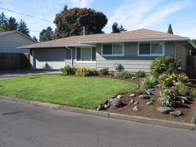 2063 SE 159TH Ave, Portland, OR 97233 (MLS #21631648) :: Brantley Christianson Real Estate