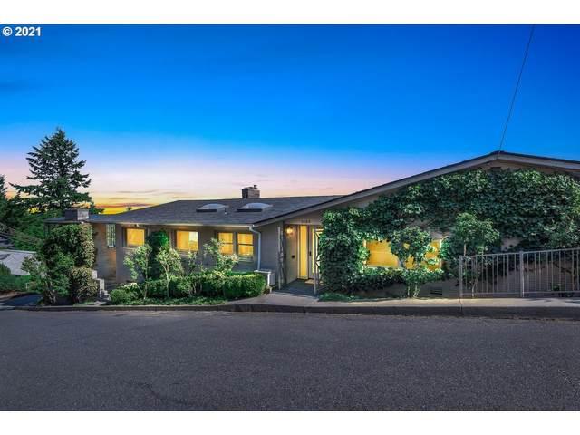 2888 NW Beuhla Vista Ter, Portland, OR 97210 (MLS #21632055) :: Cano Real Estate