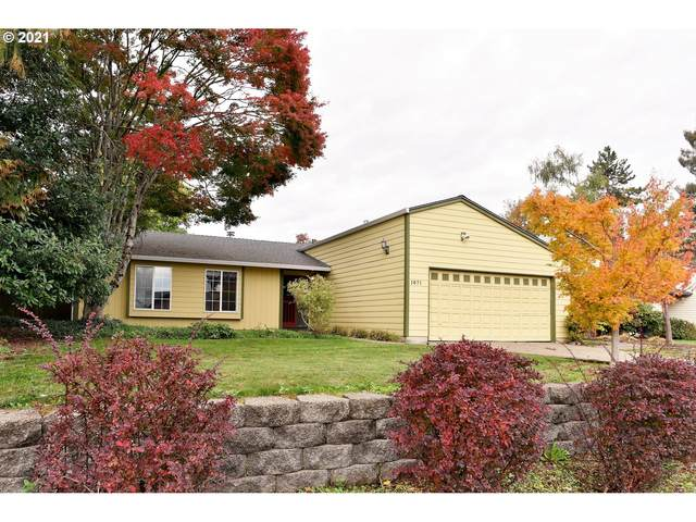 1071 S Ivy Ct, Canby, OR 97013 (MLS #21635825) :: Oregon Digs Real Estate