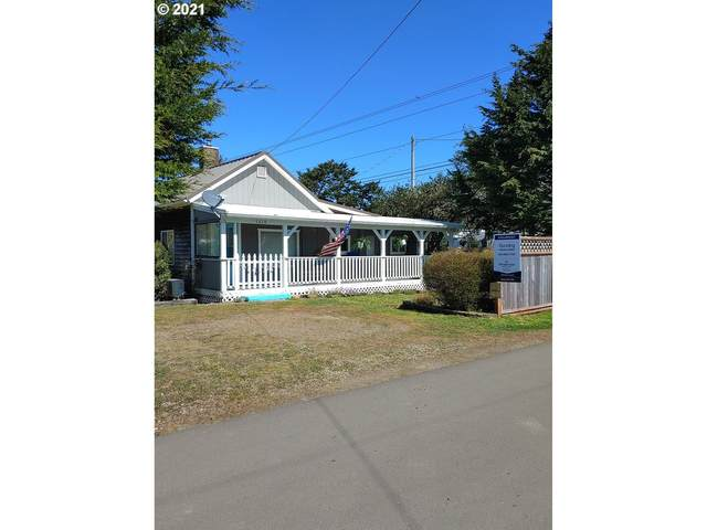 1315 45TH Pl, Seaview, WA 98644 (MLS #21637033) :: Song Real Estate