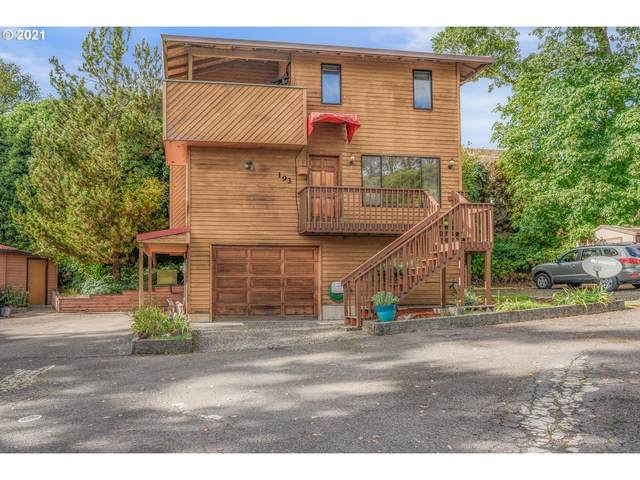 193 N 8TH St, St. Helens, OR 97051 (MLS #21638601) :: Premiere Property Group LLC