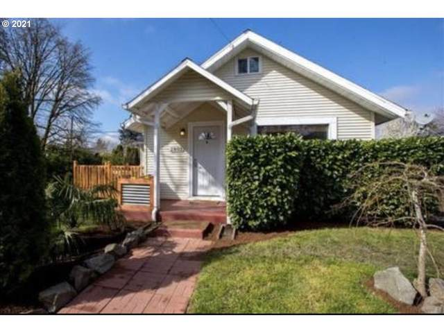 2803 SE 87TH Ave, Portland, OR 97266 (MLS #21641358) :: The Pacific Group