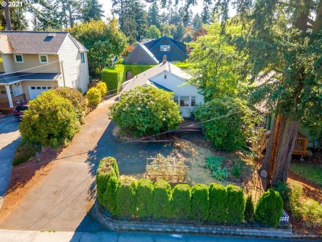 7242 SW Capitol Hwy, Portland, OR 97219 (MLS #21641909) :: Lux Properties