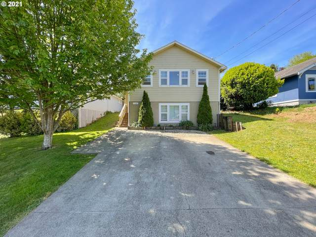 1123 Oregon Ave, Coos Bay, OR 97420 (MLS #21645233) :: Premiere Property Group LLC