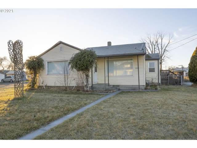 420 SE 4TH St, Hermiston, OR 97838 (MLS #21647093) :: Fox Real Estate Group