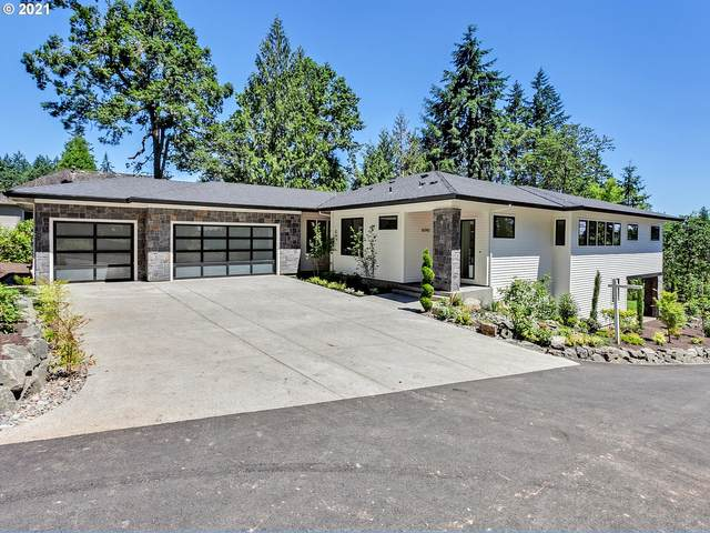 16743 SW Pacific Hwy, Lake Oswego, OR 97034 (MLS #21647735) :: The Haas Real Estate Team