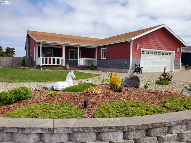 2669 Cedar Loop Dr, Bandon, OR 97411 (MLS #21650231) :: Beach Loop Realty
