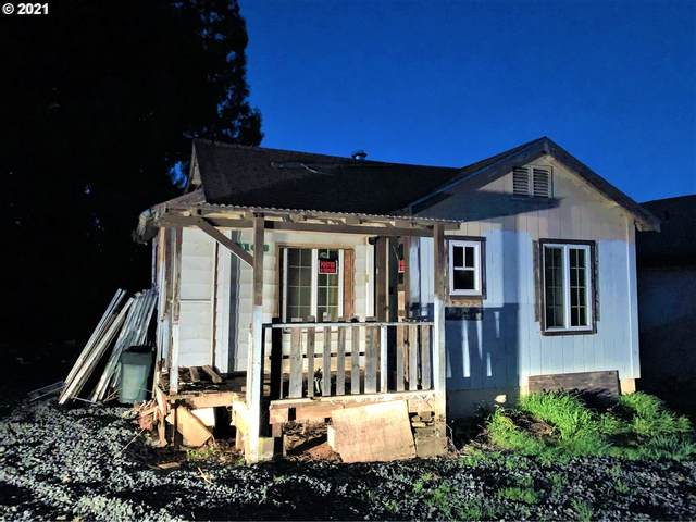 1168 California Ave, Coos Bay, OR 97420 (MLS #21651810) :: Beach Loop Realty