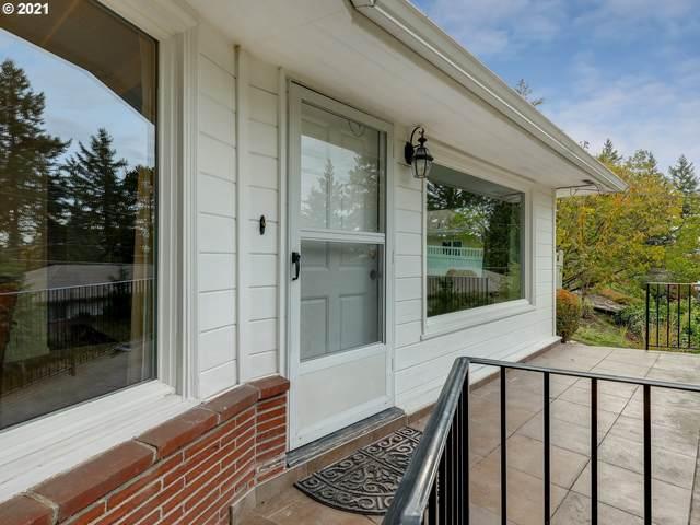 1117 SW Westwood Ct, Portland, OR 97239 (MLS #21653987) :: Brantley Christianson Real Estate