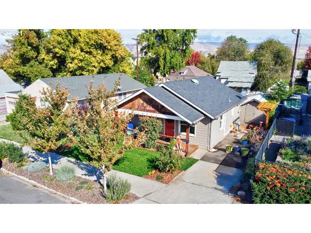 209 W 10TH St, The Dalles, OR 97058 (MLS #21654158) :: Premiere Property Group LLC