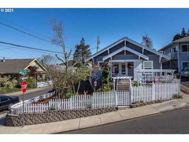 1210 SE Overlook Ave, Roseburg, OR 97470 (MLS #21654576) :: Beach Loop Realty
