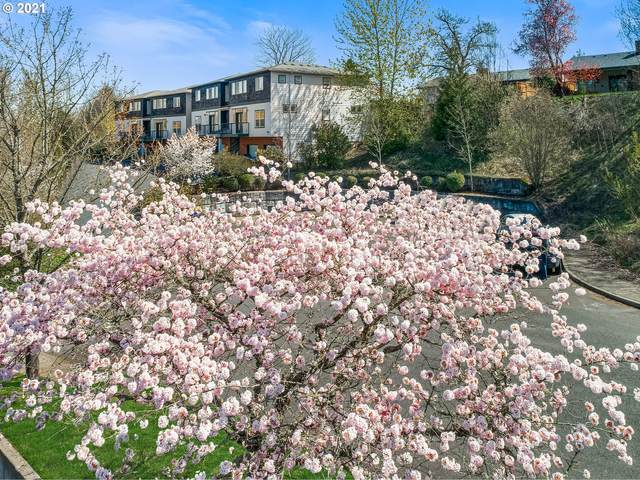 9752 SW 34TH Pl #3, Portland, OR 97219 (MLS #21657063) :: Fox Real Estate Group