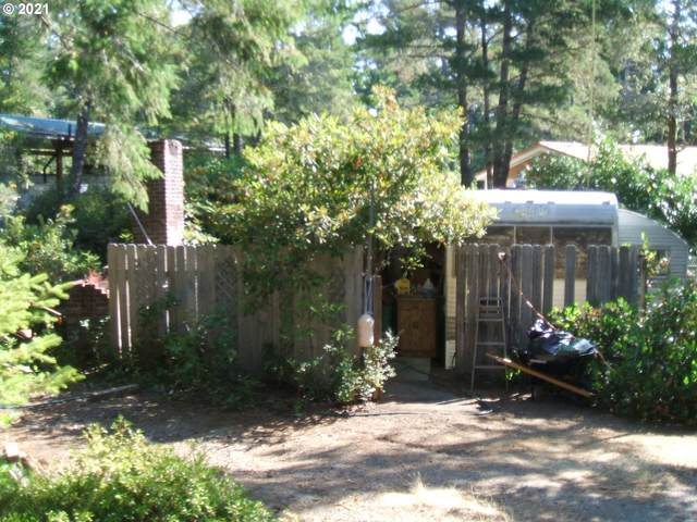 245 Horseshoe Bend, Florence, OR 97439 (MLS #21659175) :: The Haas Real Estate Team