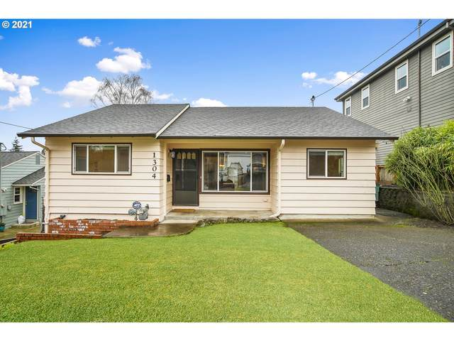 1304 SW Freeman St, Portland, OR 97219 (MLS #21660940) :: Fox Real Estate Group
