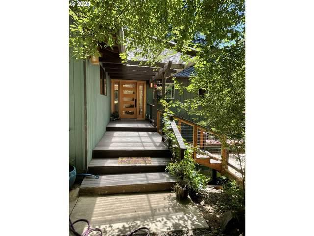 622 SW Maplecrest Dr, Portland, OR 97219 (MLS #21661993) :: Stellar Realty Northwest