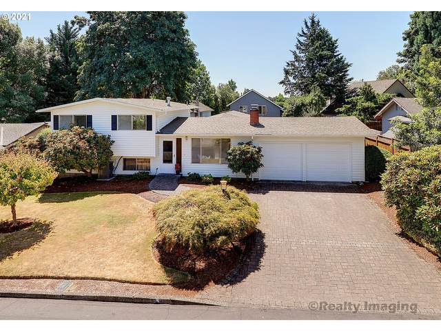 9020 SW Pinebrook St, Tigard, OR 97224 (MLS #21662283) :: Cano Real Estate