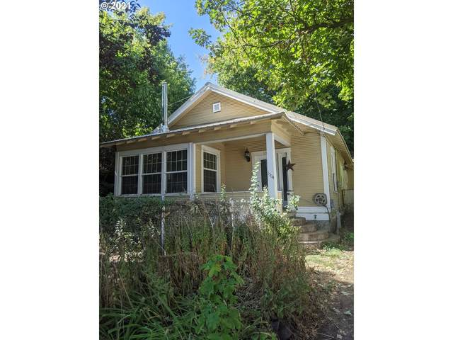 1504 3RD St, La Grande, OR 97850 (MLS #21666279) :: Keller Williams Portland Central