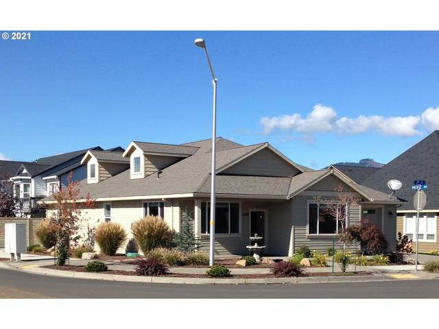1680 3RD St, Hood River, OR 97031 (MLS #21667396) :: Next Home Realty Connection