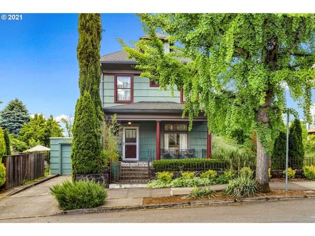 3236 S Corbett Ave, Portland, OR 97239 (MLS #21668276) :: Holdhusen Real Estate Group