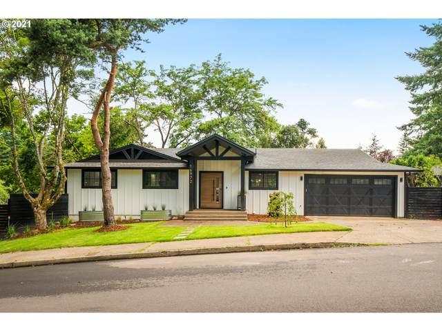 16972 Greentree Ave, Lake Oswego, OR 97034 (MLS #21669854) :: McKillion Real Estate Group