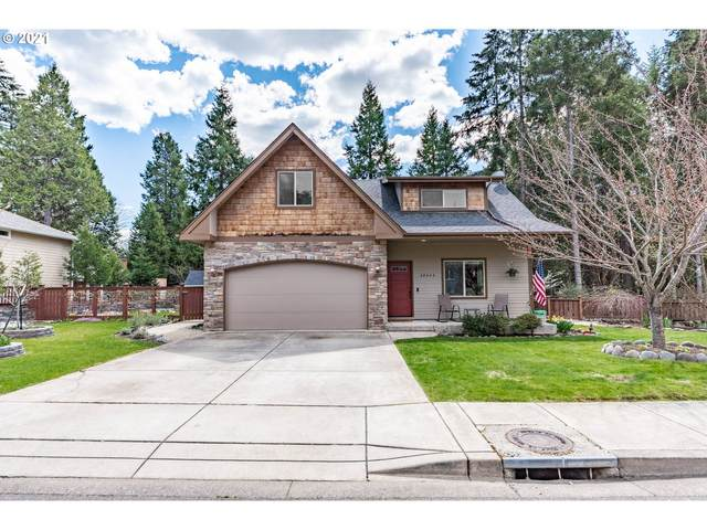 48444 E Meadow Way, Oakridge, OR 97463 (MLS #21670094) :: Real Tour Property Group
