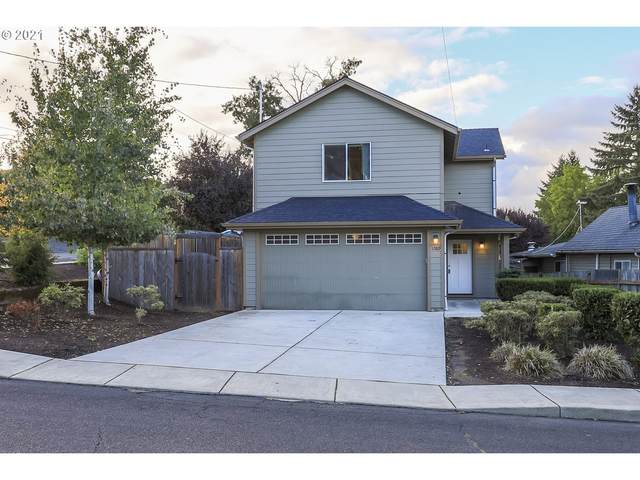 720 SW Clay St, Dallas, OR 97338 (MLS #21670268) :: Premiere Property Group LLC