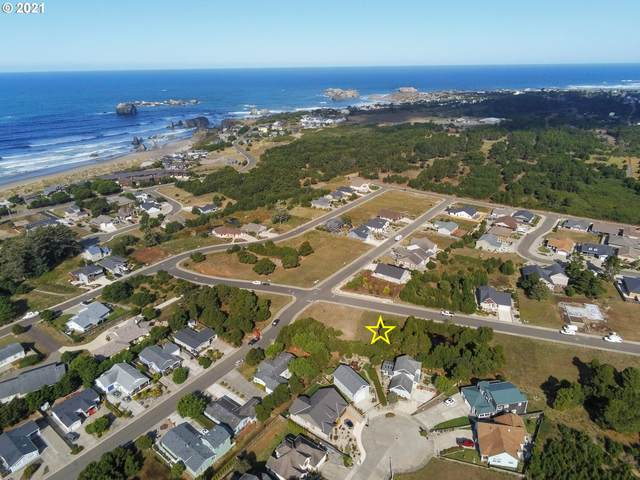 967 Rogers Pl, Bandon, OR 97411 (MLS #21671726) :: Fox Real Estate Group