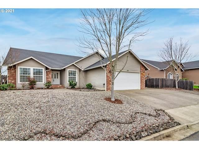 715 Divot Loop, Sutherlin, OR 97479 (MLS #21676586) :: Lux Properties
