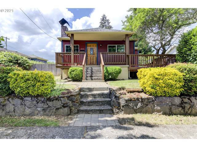 3004 N St, Vancouver, WA 98663 (MLS #21677052) :: McKillion Real Estate Group